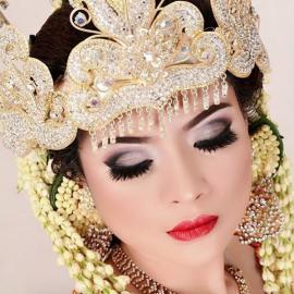 Kursus Kecantikan : Traditional Bridal Makeup - Java